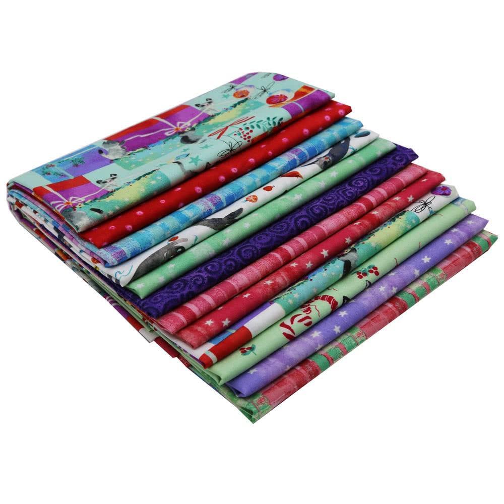 Masha Dyans Purrfect Christmas 10 Squares 42 10-inch Squares Layer Cake Clothworks